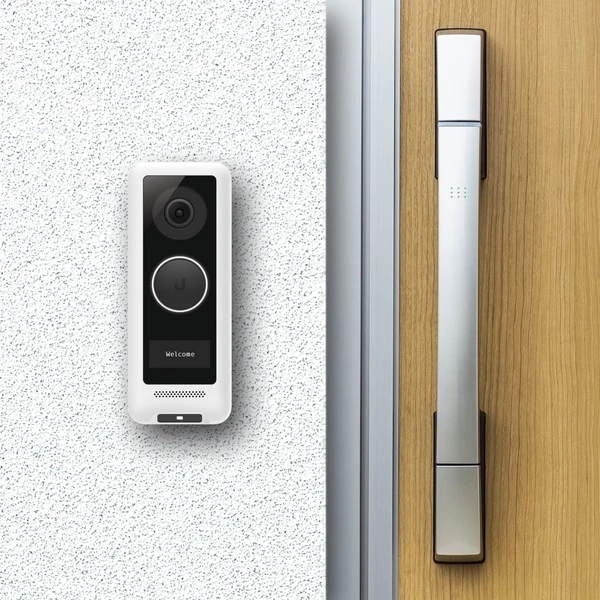 UVC-G4-Doorbell_Back_front.png.5a0993e5b34b4fde97ff9ccbf756966a.png